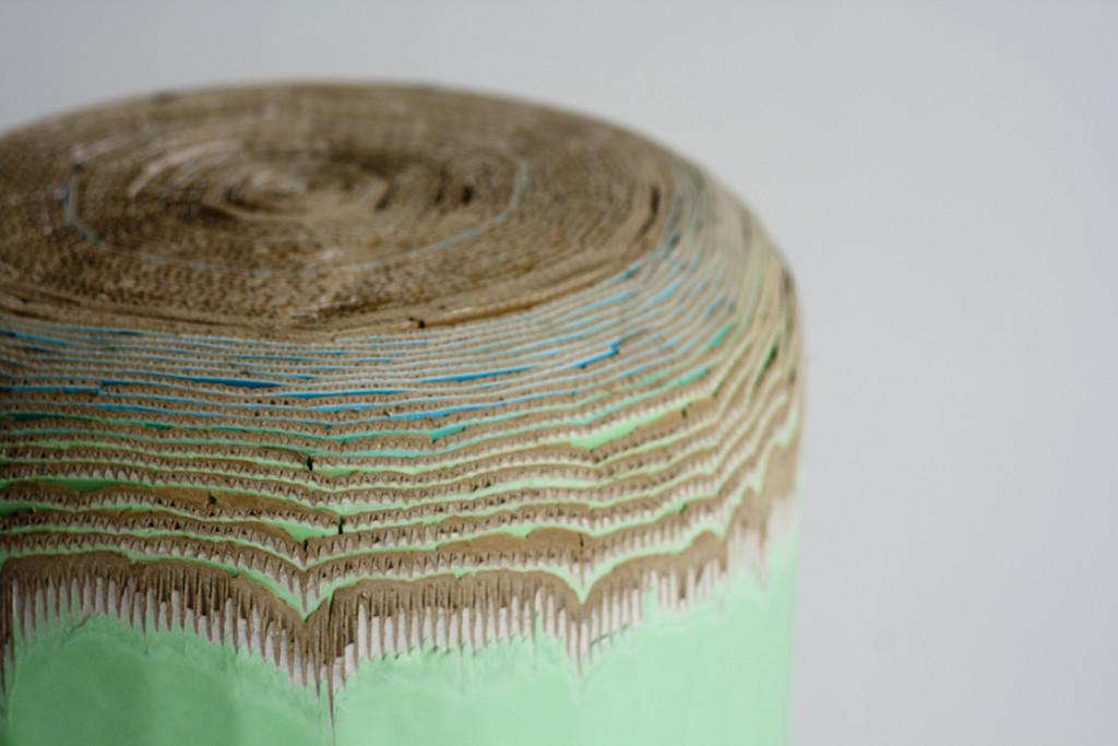 Cardboard stool by Luisa Kahlfeldt 2