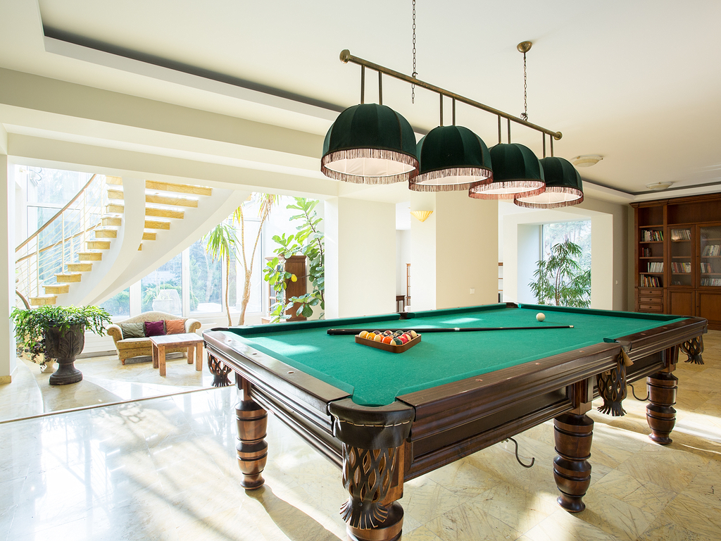 40 classic billiard room ideas for the home structurespace for Pool table room ideas